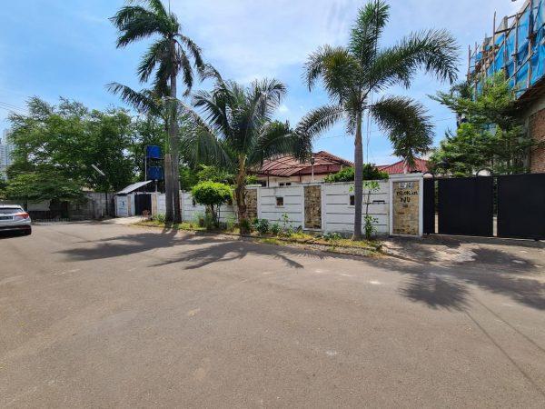 Dijual Rumah Hoek di Taman Kedoya Baru, Kedoya, Kebon Jeruk, Jakarta Barat